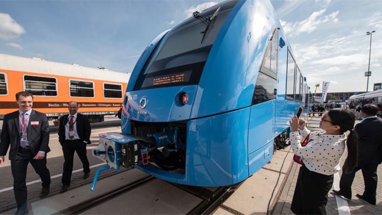 Alemania se sube al 'Hydrail', el primer tren limpio y silencioso del mundo