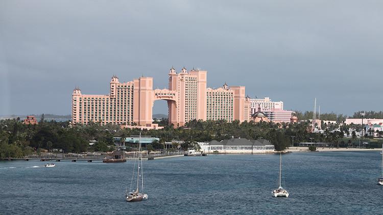 """Bahamas Leaks: Al descubierto los """"adanes y evas"""" del paraíso fiscal en el Caribe"""