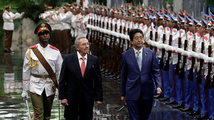 Fidel Castro se reúne en Cuba con Shinzo Abe, primer ministro de Japón