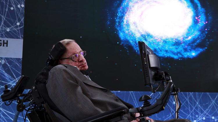 ¿Sería una buena idea contactar con extraterrestres?: Stephen Hawking tiene una polémica respuesta