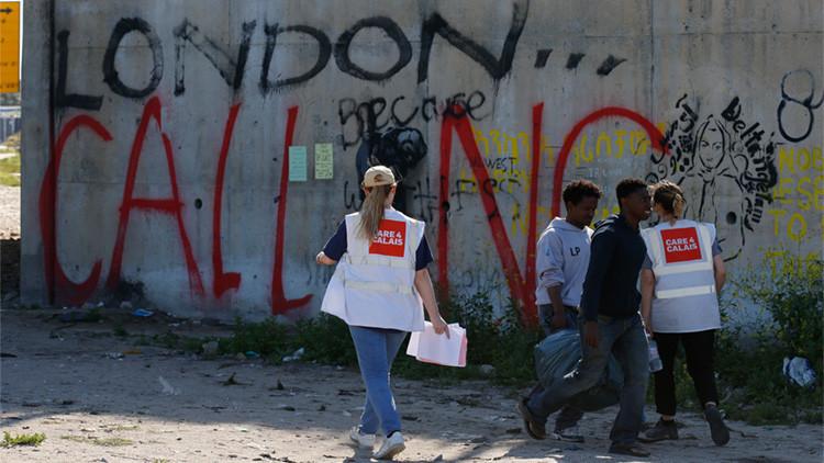 Acusan a voluntarias de explotar sexualmente a refugiados y niños en Calais