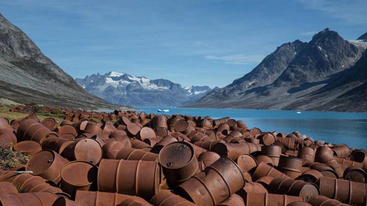 Miles de barriles tóxicos de una base militar abandonada de EE.UU. contaminan Groenlandia (FOTOS)