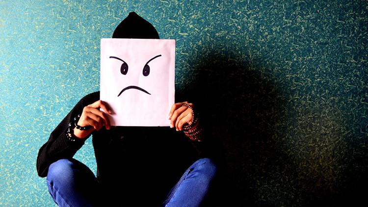 Encuesta: ¿Qué es lo que la gente odia de usted nada más conocerle?