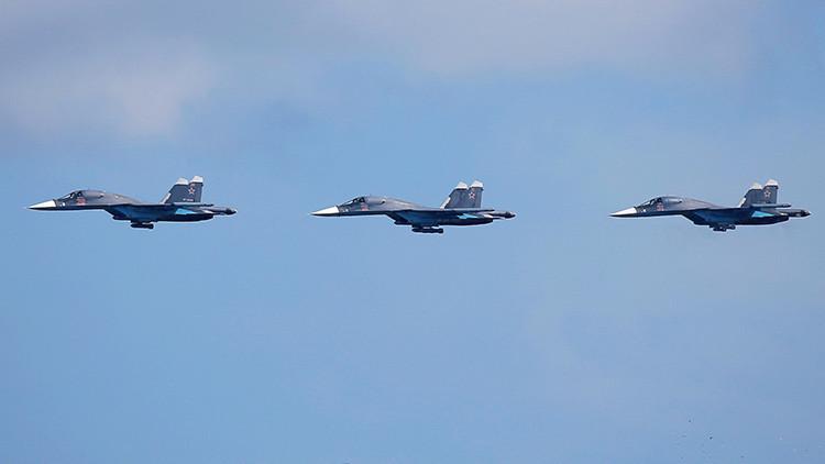 VIDEO: Un Su-34 ruso cruza el cielo sirio sembrando el pánico entre los terroristas