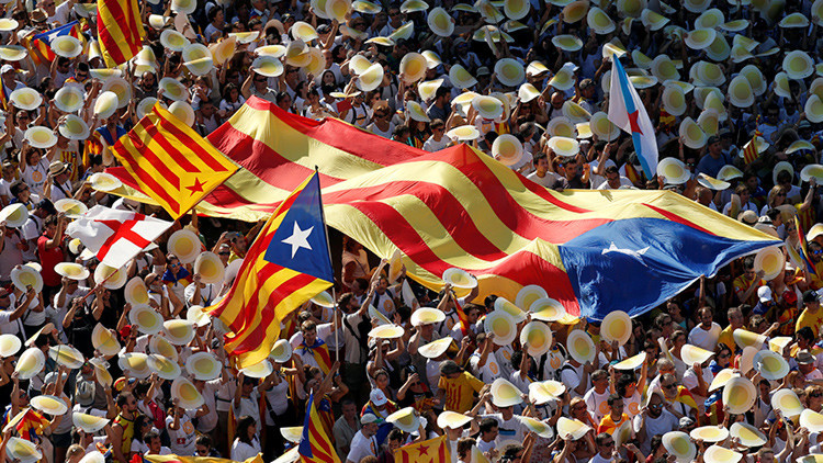 El presidente de la Generalitat de Cataluña anuncia un nuevo referéndum sobre la independencia