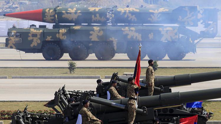 ¿A las puertas de la III Guerra Mundial? Vecinos nucleares se atacan peligrosamente en la frontera