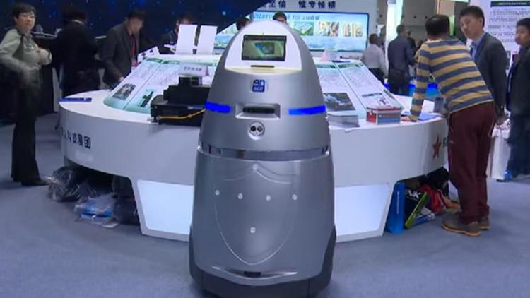 """'Robocop' entra en servicio en China: """"Mitad humano, mitad máquina, todo policía"""""""