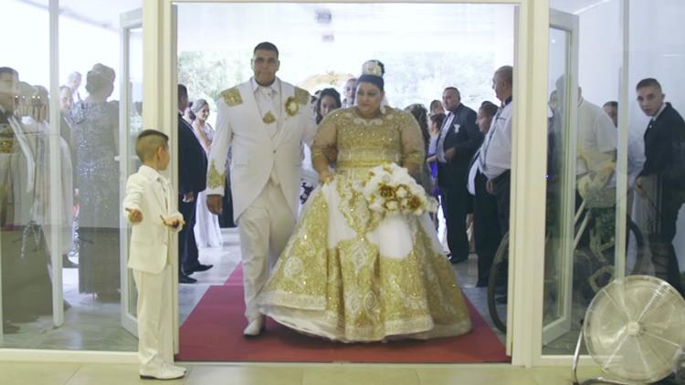 VIDEO VIRAL: Una boda gitana regada de oro y euros deja boquiabierta a la Red