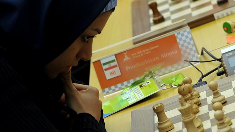 Mundial de ajedrez femenino en Irán: ¿pena de cárcel por jugar sin velo?