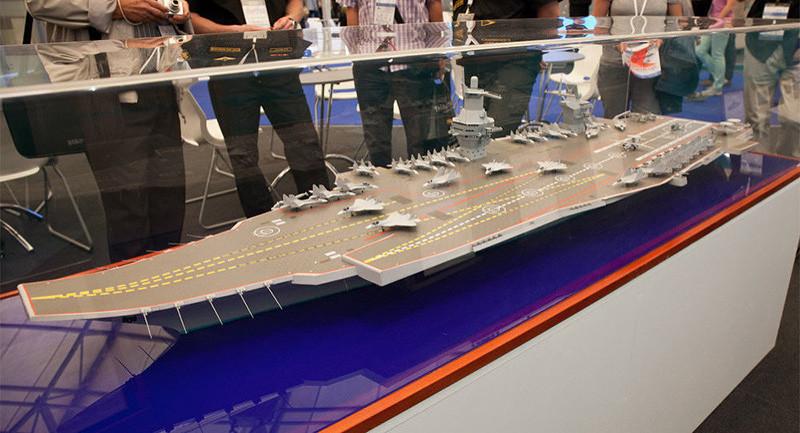 Un modelo del futuro portaaviones ruso