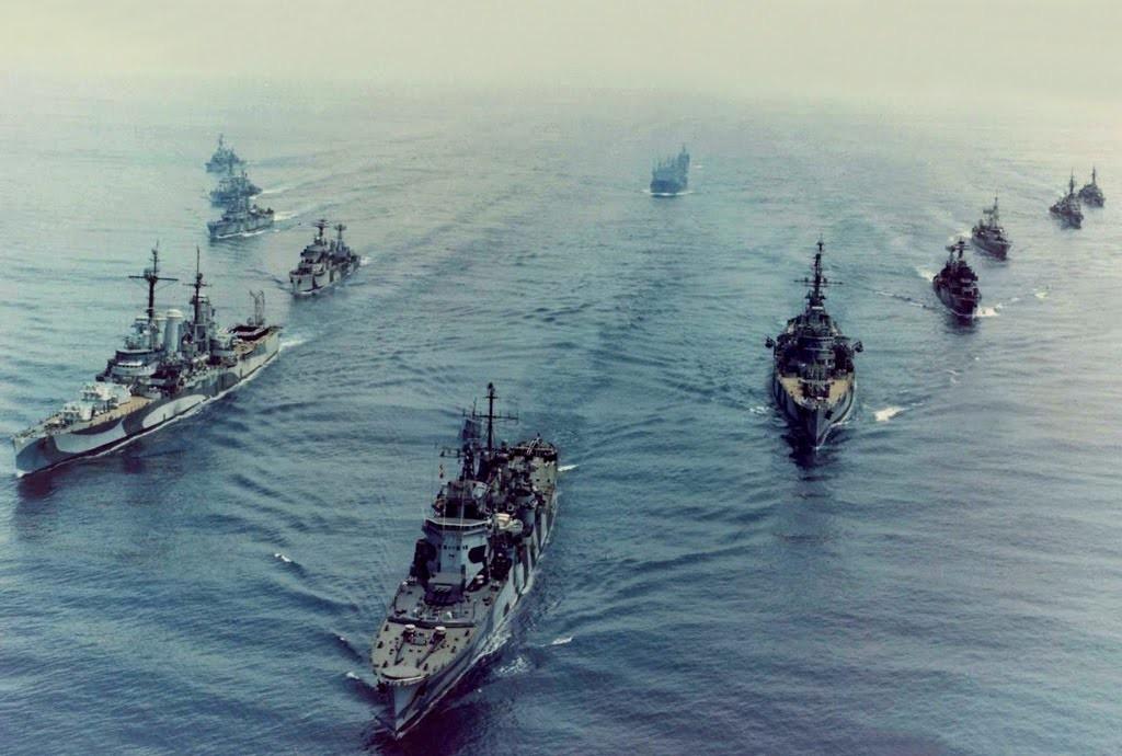 La flota chilena navega hacia el sur