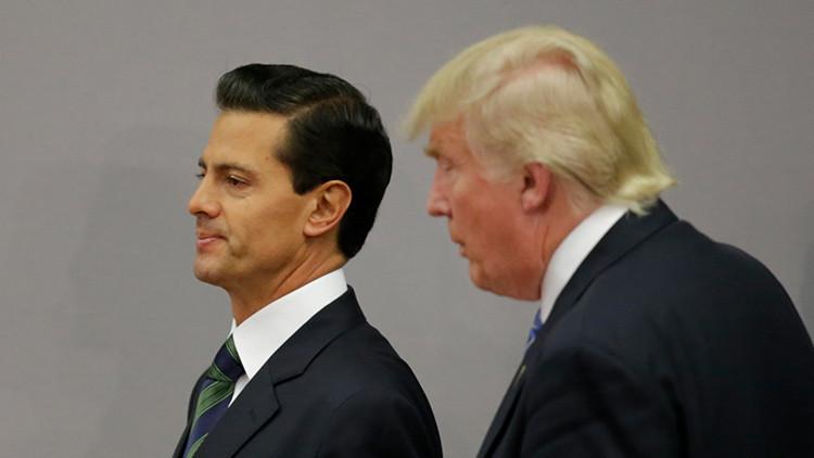 El presidente mexicano, Enrique Peña Nieto, con el candidato republicano a la Presidencia de EE.UU., Donald Trump