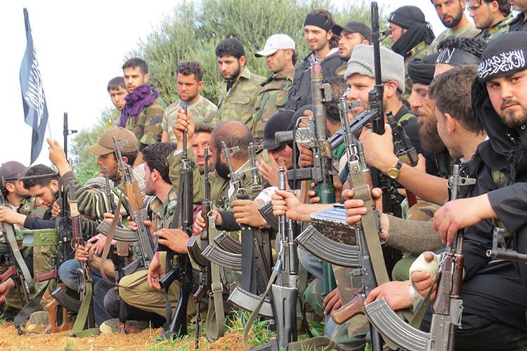 Combatientes del Ejército Libre de Siria en la provincia de Idlib, Siria, 21 de marzo de 2013.