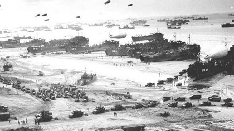 Playa de Omaha durante el desembarco de Normandía. 6 de junio de 1944