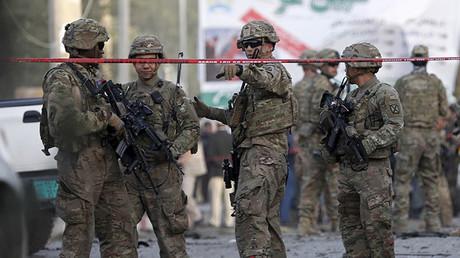 Los efectivos estadounidenses a un paso de la línea roja