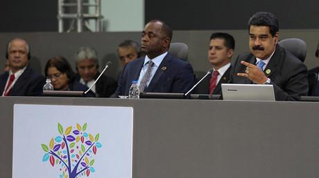 El presidente de Venezuela, Nicolás Maduro, asiste a la cumbre de los Países No Alineados en Porlamar. 18 de septiembre de 2016.