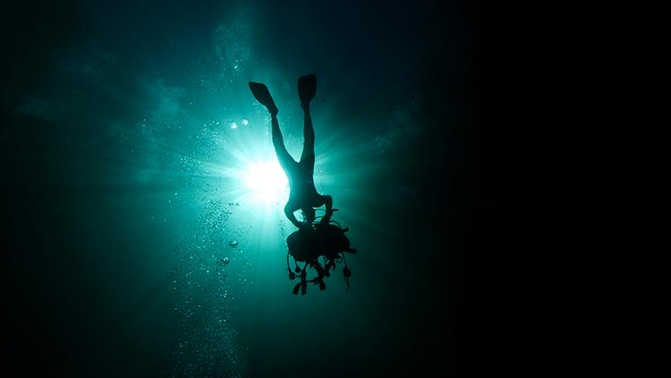 Hallan la cueva subacuática más profunda del mundo