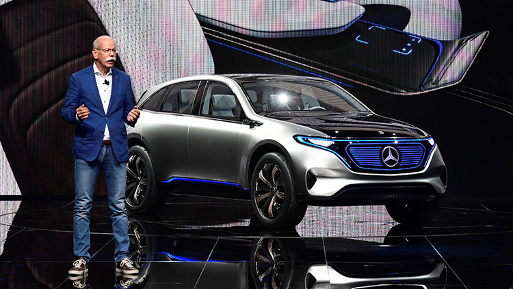 Mercedes estrena su Generation EQ, rival del Tesla Model S (VIDEO)