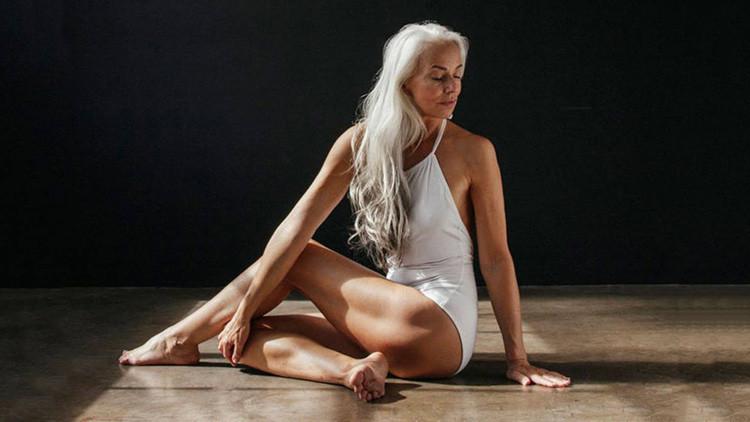 La abuela más sexi del mundo: una modelo de 60 años desafía las pasarelas con su belleza (FOTOS)