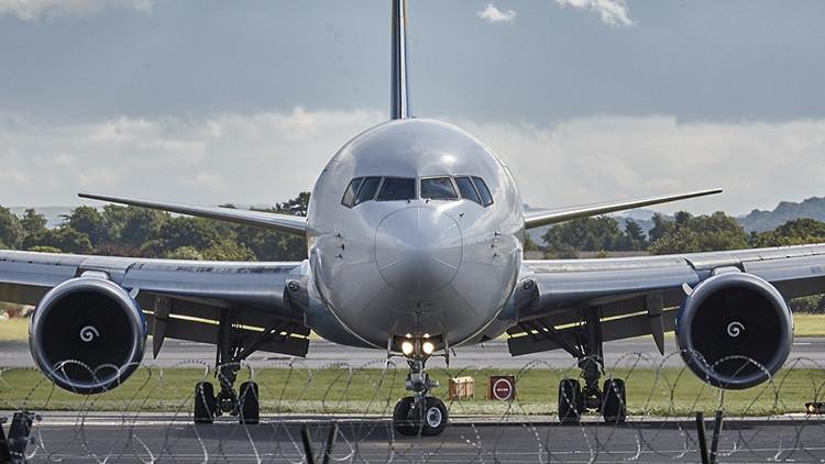 ¿Por qué la mayoría de los aviones comerciales son blancos?