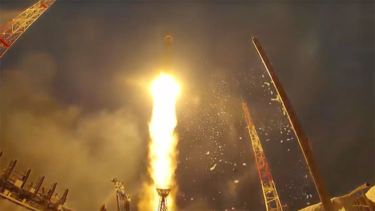 Rusia difunde un video con los más espectaculares lanzamientos de cohetes