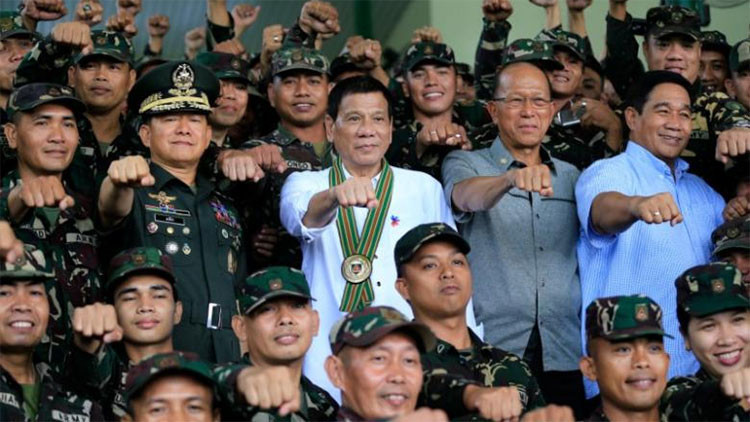 """Presidente de Filipinas: """"Puede irse al infierno, señor Obama. Si no me vende armas, iré a Rusia"""""""