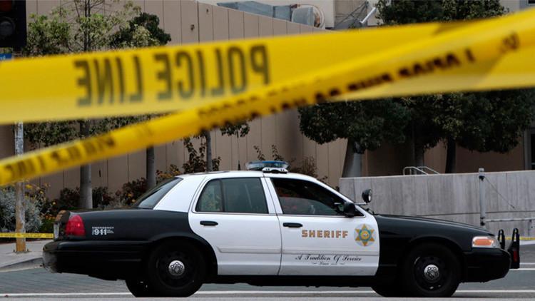 EE.UU.: Un policía muerto y otro herido tras un tiroteo cerca de un centro docente