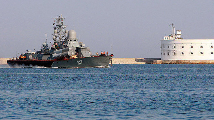 Rusia envía tres barcos lanzamisiles al Mediterráneo