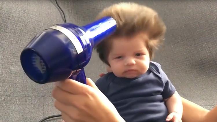 VIDEO: Un bebé de dos meses arrasa en Internet gracias a su tupida cabellera