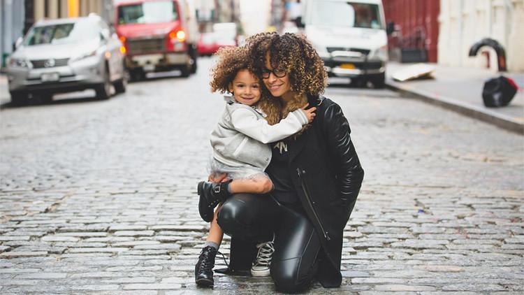 Solo para mujeres: la inteligencia de los hijos depende de sus madres