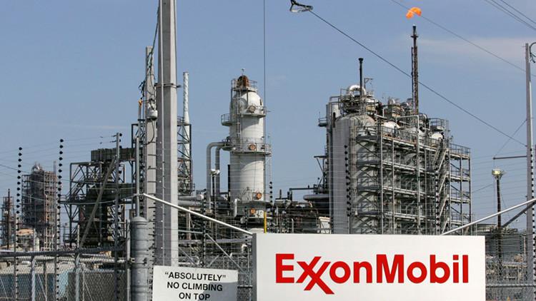 Un país africano multa a ExxonMobil por una suma cinco veces mayor que su PIB