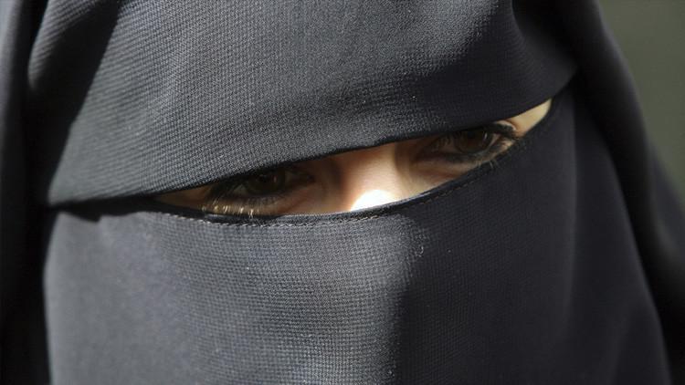 Amazon retira de la venta un 'burka sexy' tras recibir críticas de los usuarios