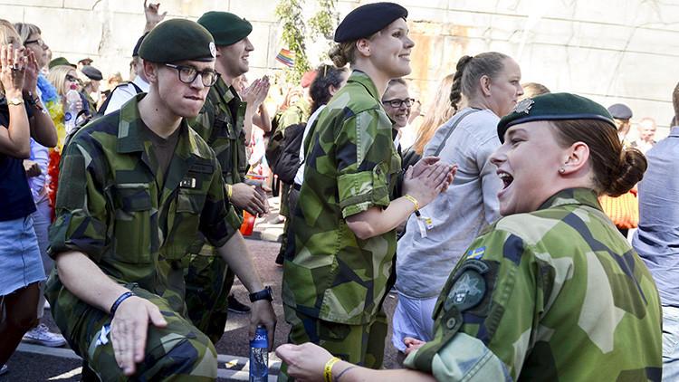 """Suecia reclutará mujeres para el servicio militar debido a """"la amenaza rusa"""""""