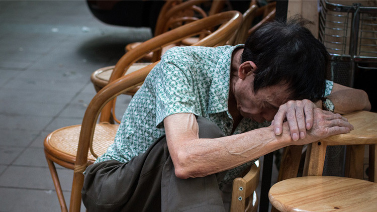 Trabajar hasta la muerte: La realidad de uno de los países asiáticos más avanzados