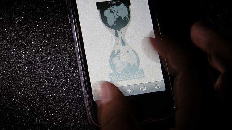 WikiLeaks publica la segunda tanda de correos electrónicos del jefe de campaña de Hillary Clinton