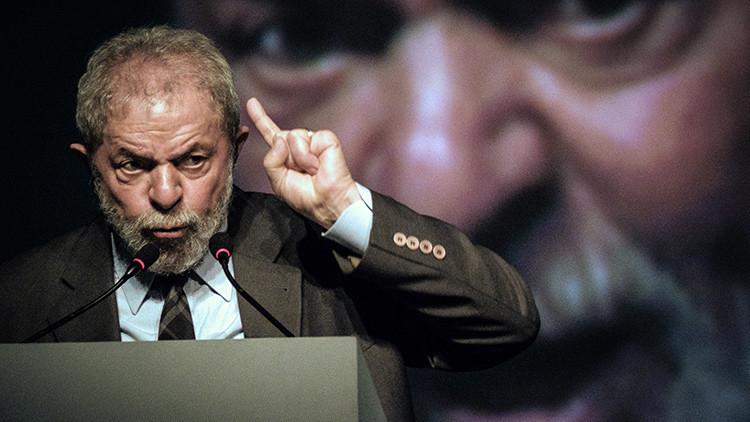 Presentan cargos contra Lula da Silva y diez personas más por corrupción