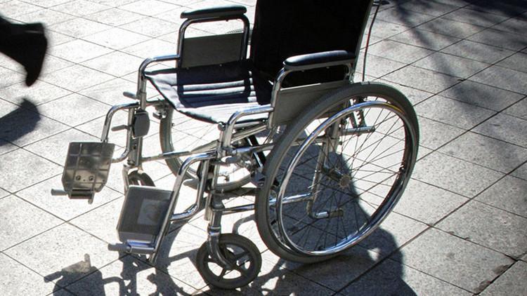 Refugiados violan brutalmente a una mujer en silla de ruedas en Suecia