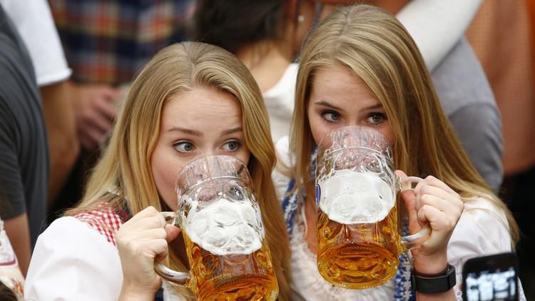 """""""La decisión es obvia"""": ¿Es la cerveza más saludable que la leche?"""