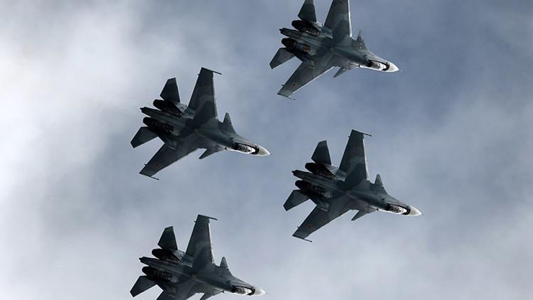 Los Caballeros Rusos reciben los cazas ultramodernos Su-30 SM