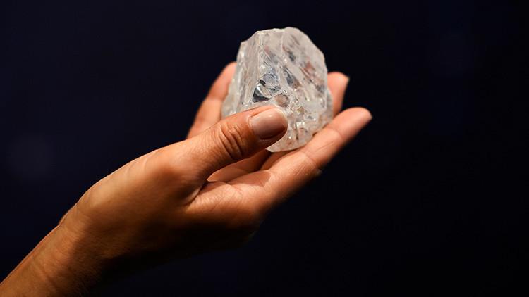 El país africano donde las carreteras se construyen con diamantes