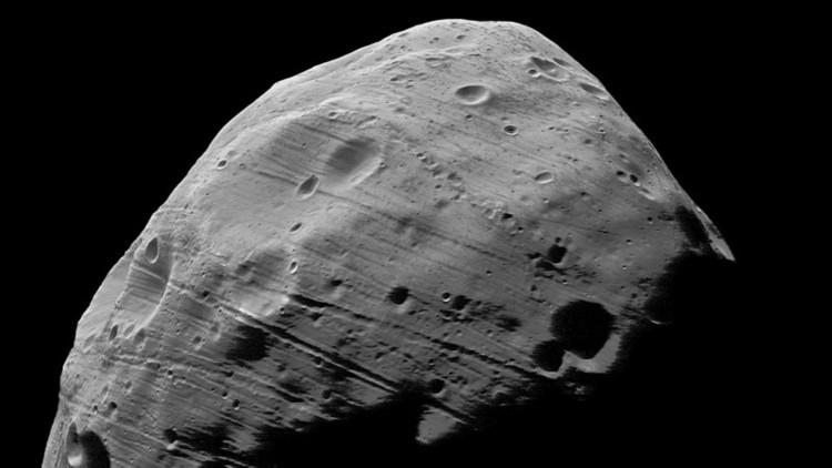 Mayor luna de Marte se transforma en la Estrella de la Muerte de 'La guerra de las galaxias' (video)