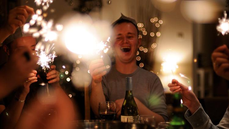 Científicos obtienen alcohol a partir de aire
