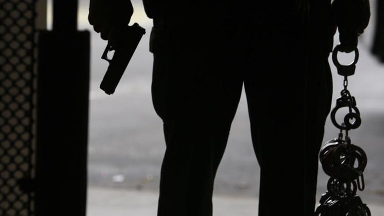 """""""¿Te gusta el sexo duro?"""": Policías de EE.UU. interrogan durante 8 horas a una joven recién violada"""