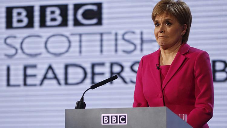 Video: La BBC confunde a la primera ministra de Escocia con un gorila