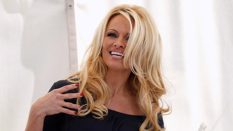 Circo y 'Brexit': Pamela Anderson pide entrevistarse con la primera ministra británica (foto)