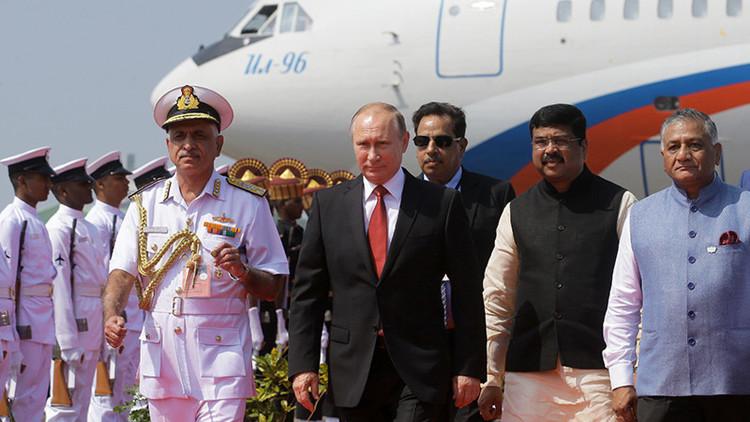 VIDEO: Extraordinaria recepción sorpresa a Putin en el aeropuerto de Goa