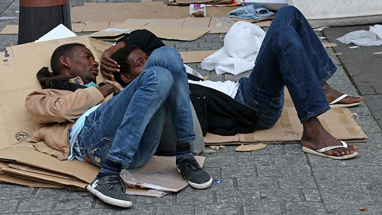 """¿""""Escenas del apocalipsis""""? Un video muestra un campamento de inmigrantes desmantelado en París"""