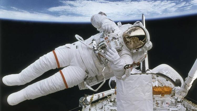 Muerte en el espacio: ¿qué quiere hacer la NASA con los cadáveres de los astronautas?