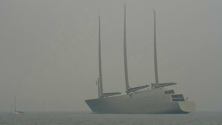 Sale a alta mar el yate más grande del mundo (Fotos)