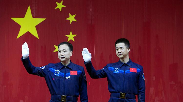 China lanza su primera misión tripulada al laboratorio espacial Tiangong 2 (VIDEO)
